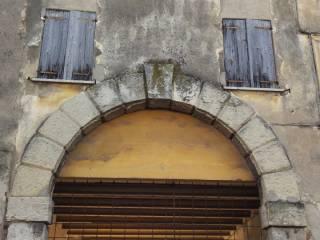 Foto - Palazzo / Stabile tre piani, da ristrutturare, San Michele, Verona