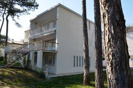Vendita Villa Bifamiliare In Viale Della Luna Lignano