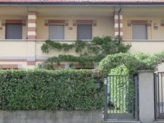 Foto - Villetta a schiera via Trieste 6, Baranzate