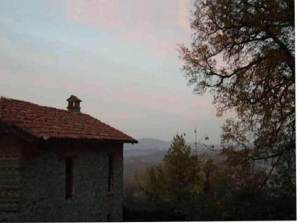 foto Esterni Rustico / Casale via Roma, Morbello
