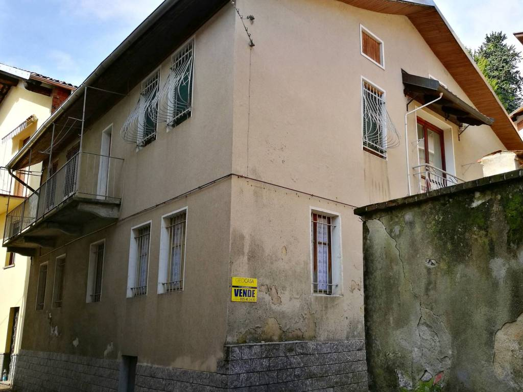 foto  Villa, buono stato, 180 mq, Tollegno
