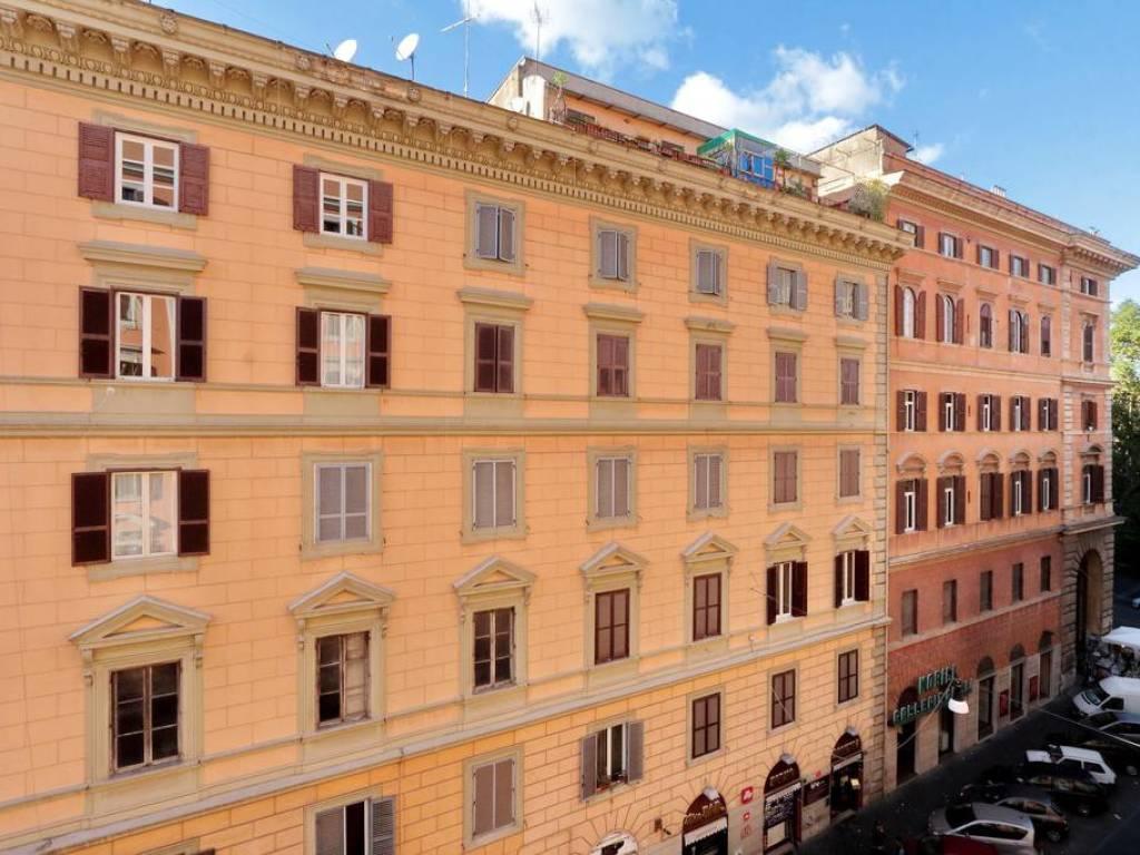 foto  Appartamento buono stato, quarto piano, Roma