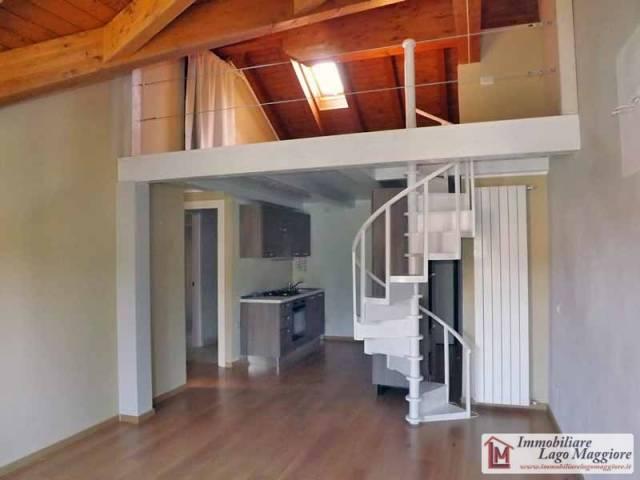 Appartamento in vendita a Travedona-Monate, 2 locali, prezzo € 110.000 | Cambio Casa.it