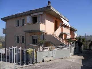 Foto - Appartamento via Pignatara, Cappelle Sul Tavo