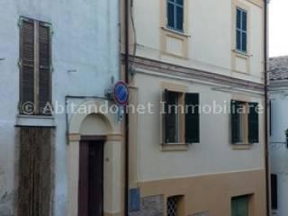 Foto - Casa indipendente 135 mq, da ristrutturare, Loreto Aprutino
