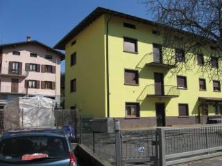 Foto - Quadrilocale via Duca D'Aosta 23, Parre