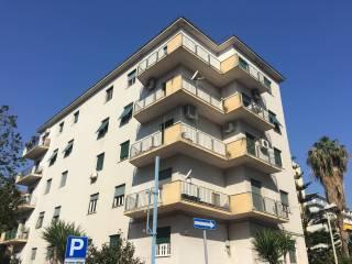 Foto - Appartamento da ristrutturare, piano rialzato, Autonomia Siciliana, Palermo