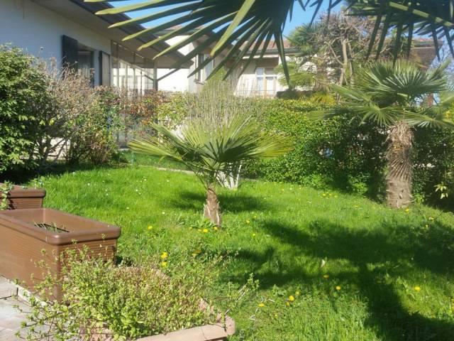 Villa in vendita a Selvazzano Dentro, 6 locali, prezzo € 430.000 | Cambio Casa.it