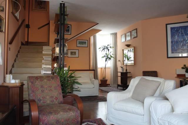 Villa in vendita a Palermo, 6 locali, prezzo € 440.000 | Cambio Casa.it