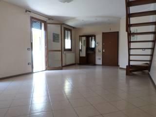 Foto - Appartamento ottimo stato, ultimo piano, Ponte San Nicolo'