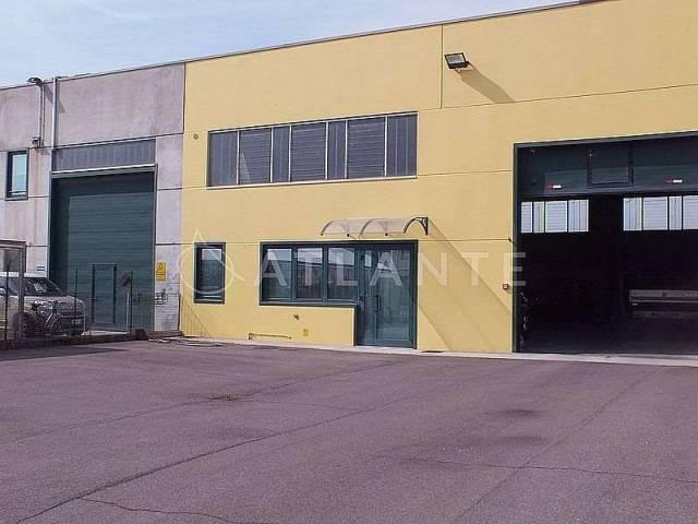 Capannone in vendita a Porto Mantovano, 1 locali, prezzo € 250.000 | Cambio Casa.it
