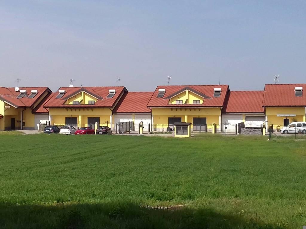foto  Villetta a schiera via Vittorio Veneto, Robecco Pavese