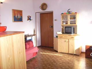Foto - Monolocale buono stato, terzo piano, Ramponio Verna