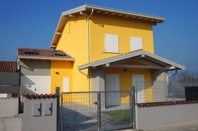 Appartamento in vendita a Calvisano, 5 locali, prezzo € 165.000 | Cambio Casa.it