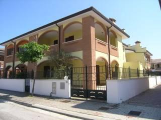 Foto - Villetta a schiera 3 locali, nuova, Lido Degli Scacchi, Comacchio