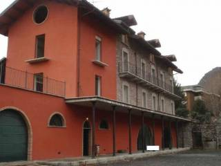 Foto - Casa indipendente via Fratelli Vallero 36, Susa
