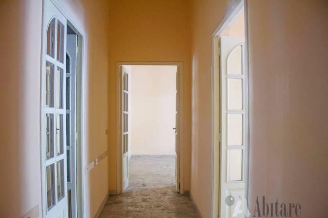 Ufficio / Studio in affitto a Messina, 2 locali, prezzo € 550 | Cambio Casa.it