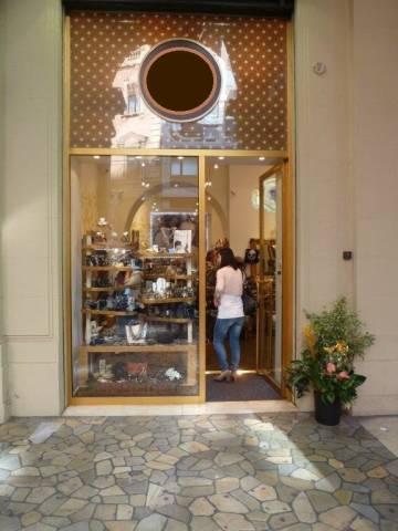 Attività / Licenza in vendita a Bologna, 2 locali, zona Zona: 1 . Centro Storico, prezzo € 50.000 | Cambio Casa.it