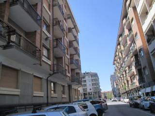 Foto - Trilocale ottimo stato, terzo piano, Centro città, Cuneo