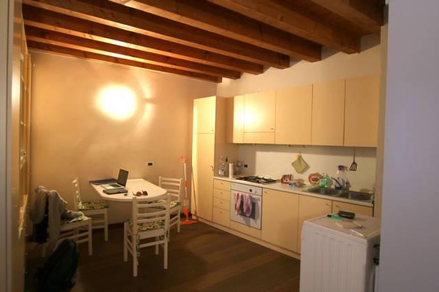 Appartamento in affitto a Vicenza, 1 locali, prezzo € 350 | Cambio Casa.it