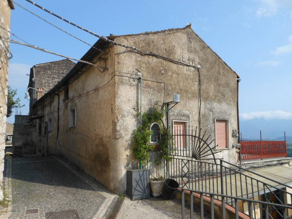 foto  Detached house 86 sq.m., good condition, Pietravairano