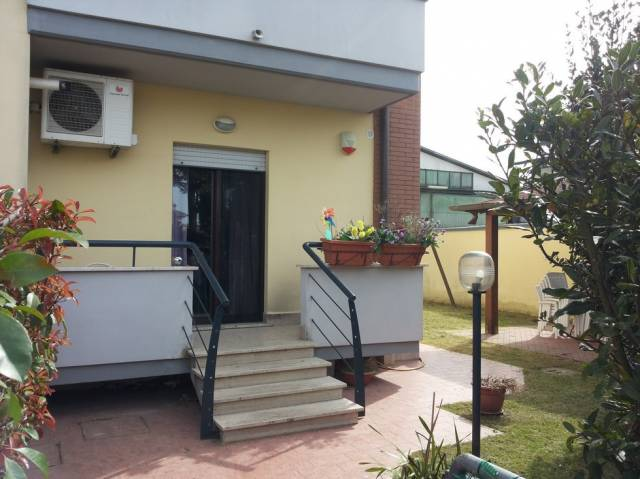 Appartamento in vendita a Latina, 3 locali, prezzo € 170.000   Cambio Casa.it