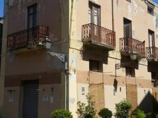 Foto - Palazzo / Stabile tre piani, da ristrutturare, Milazzo