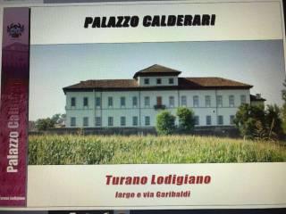 Foto - Palazzo / Stabile piazza Giuseppe Garibaldi 48-52, Turano Lodigiano