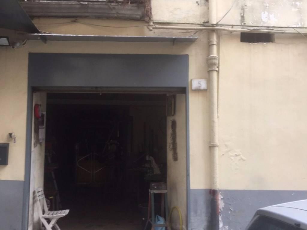 foto locale Laboratorio in Vendita a Napoli