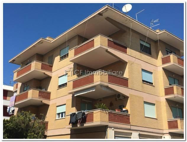 Appartamento in vendita a Fiumicino, 4 locali, prezzo € 200.000   Cambio Casa.it