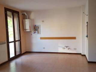 Case Toscane Agenzia Immobiliare : Case e appartamenti via toscana lacchiarella immobiliare