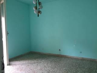 Foto - Trilocale da ristrutturare, secondo piano, Casale Monferrato