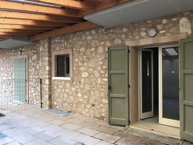 Soluzione Indipendente in vendita a Gussago, 4 locali, prezzo € 310.000 | Cambio Casa.it