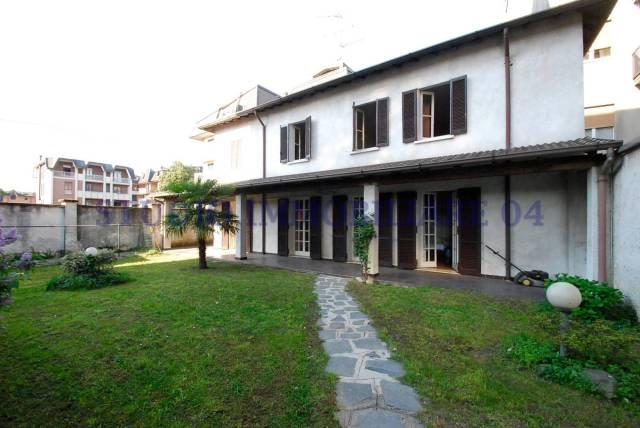 Villa in vendita a Bovisio Masciago, 4 locali, prezzo € 230.000 | Cambio Casa.it