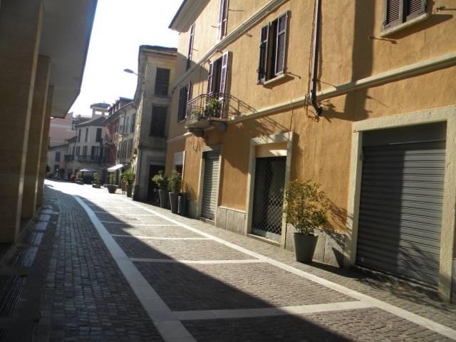 Negozio / Locale in affitto a Gallarate, 3 locali, prezzo € 2.000 | Cambio Casa.it