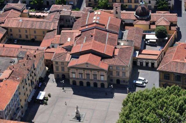 Bilocale Lucca Via Salicchi 12