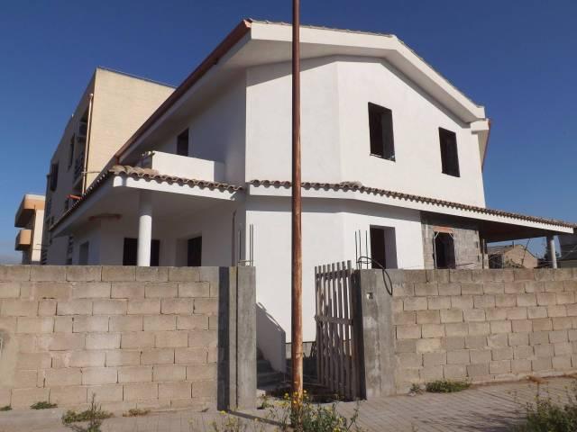 Villa a Schiera in vendita a Riola Sardo, 3 locali, prezzo € 85.000 | Cambio Casa.it