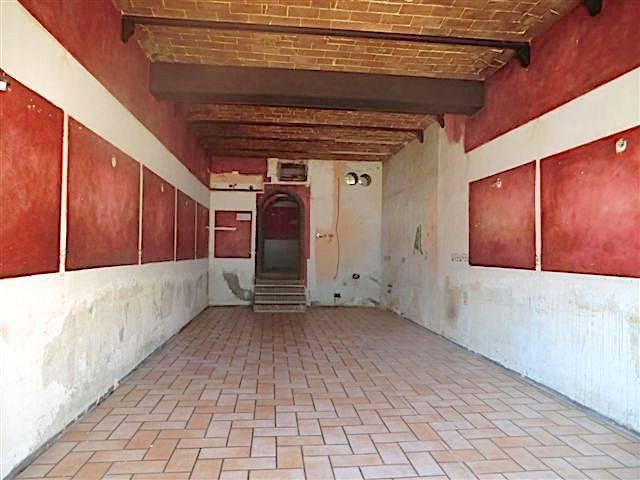 Negozio / Locale in vendita a Rosignano Marittimo, 3 locali, prezzo € 98.000   Cambio Casa.it