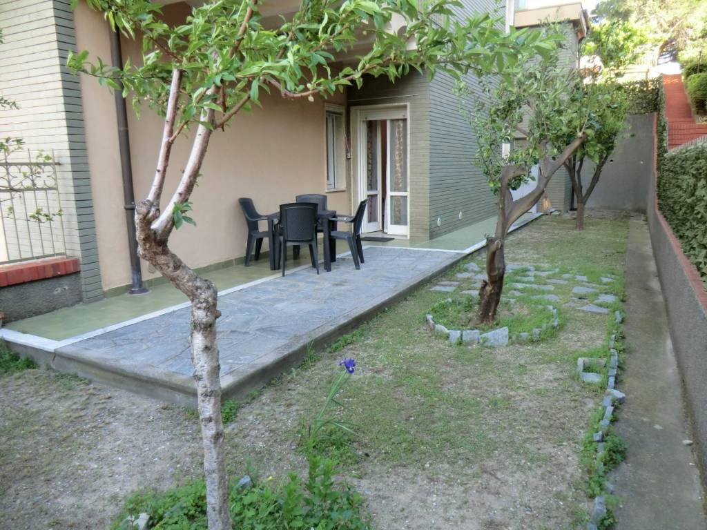 Bagni Giardino Pietra Ligure : Vendita appartamento pietra ligure monolocale buono stato piano