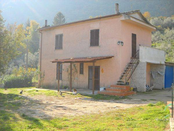 Villa in Vendita a Sgurgola