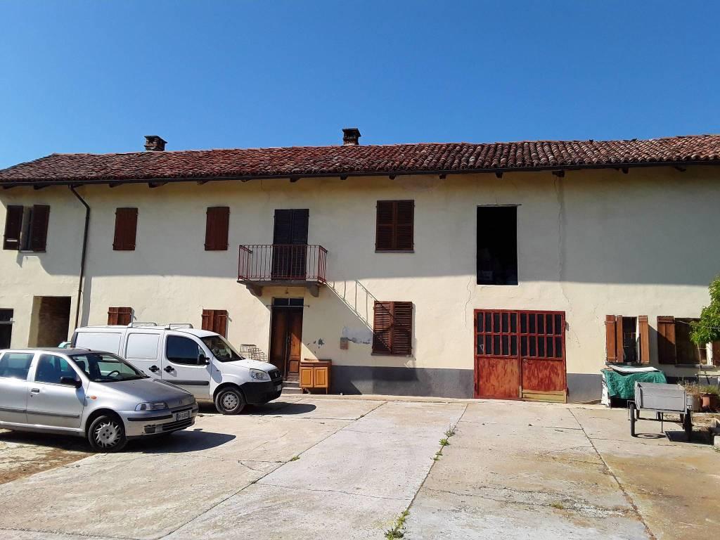 foto Facciata Rustico / Casale via Vittorio Alfieri 28, San Martino Alfieri