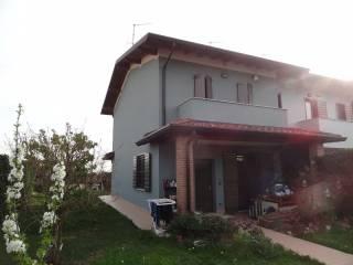 Foto - Villetta a schiera 4 locali, buono stato, Rovato