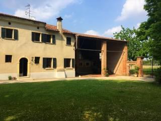 Foto - Palazzo / Stabile, buono stato, Angiari