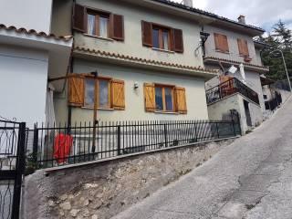 Foto - Villetta a schiera 4 locali, Pereto