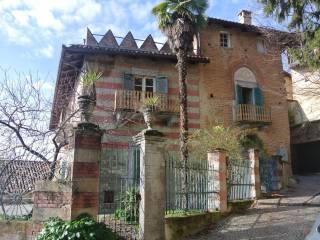 Foto - Palazzo / Stabile quattro piani, da ristrutturare, Pino D'Asti