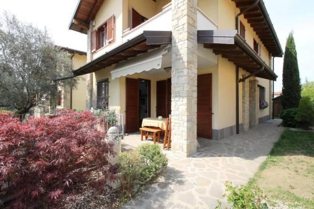 Villa in Vendita a Venegono Superiore
