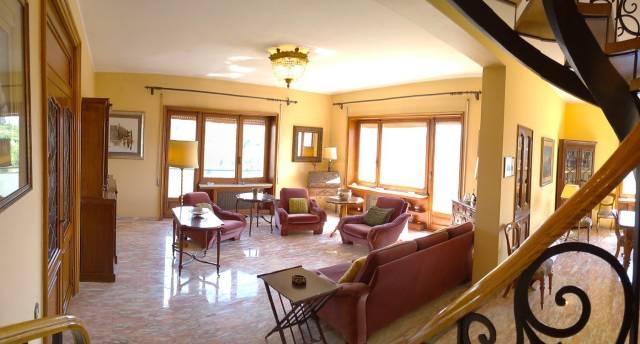 Attico / Mansarda in vendita a Frosinone, 6 locali, prezzo € 650.000   Cambio Casa.it
