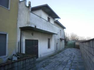 Foto - Casa indipendente via Landi, Bosco Ex Parmigiano, Gerre De' Caprioli