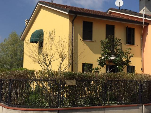 foto  Terraced house 4 rooms, excellent condition, Bosaro