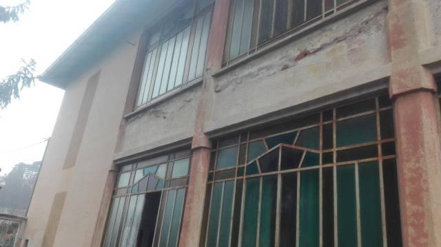 Villa in vendita a Cassano Magnago, 6 locali, prezzo € 135.000 | Cambio Casa.it